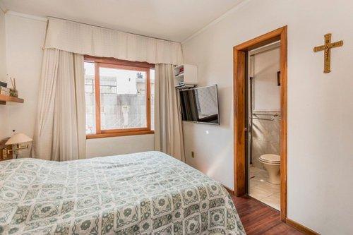Cobertura Horizontal de 4 dormitórios sendo 1 suíte com 302m² Coronel Bordini Porto Alegre -