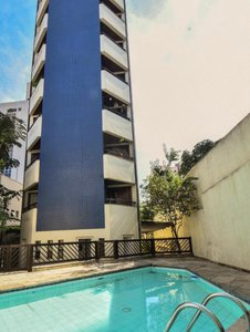 Apartamento com 40 m², com um quarto suíte e uma vaga na garagem.  Rua Barão do Triunfo São Paulo