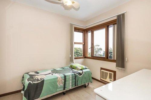 Apartamento de 178 m² com 3 dormitórios, sendo 1 suíte Rua Carlos Trein Filho Porto Alegre -