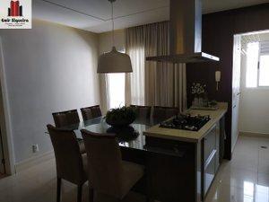 Um Lindo Apartamento de 3 Dormitórios Rua Pedro Beneton CRICIUMA