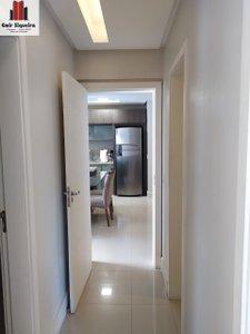 Um Lindo Apartamento com vaga Dupla de Garagem. Rua Pedro Beneton CRICIUMA