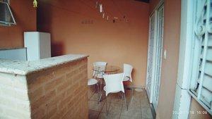 Casa com cozinha rústica, 2 quartos e muito espaço pra viver Rua Augusto Francisco Camelo Ribeirão Preto -